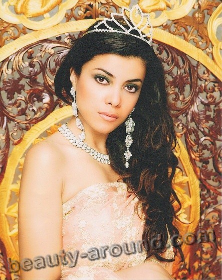 Zallascht Sadat Afghan model Miss Globe 2012 photo