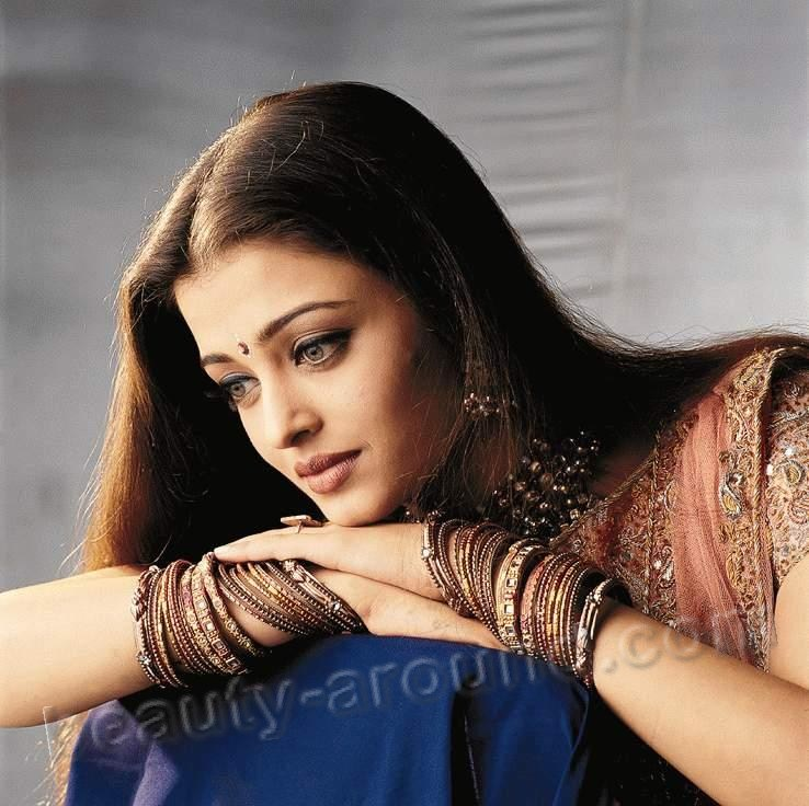 Aishwarya Rai is the most beautiful and famous Indian