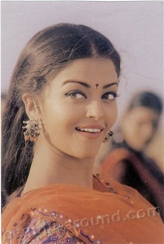 Aishwarya Rai is the most beautiful and famous Indian pictures
