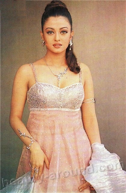 aishwarya rai popular bollywood actress