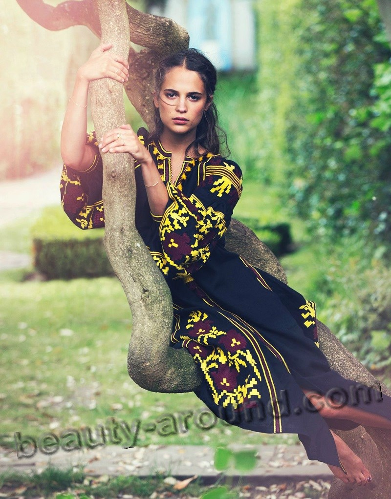 Алисия Викандер в модном журнале фото