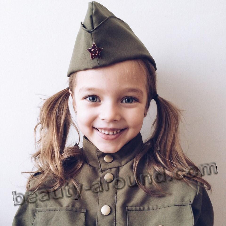 Анна Павага в военной форме фото