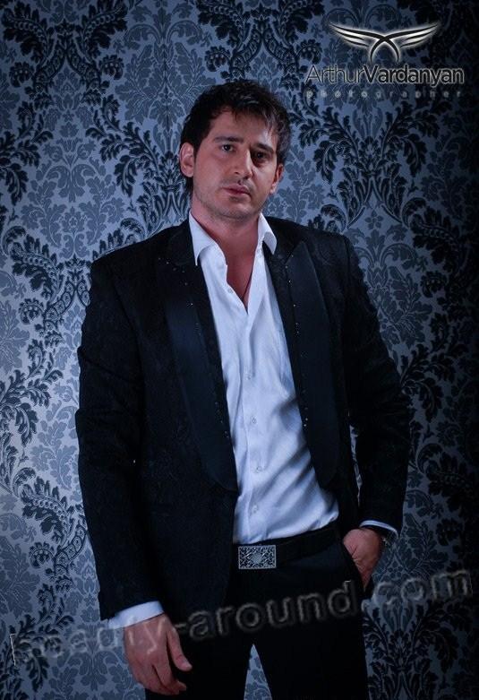 Арамэ настоящее имя Егиазарян Арам армянский певец