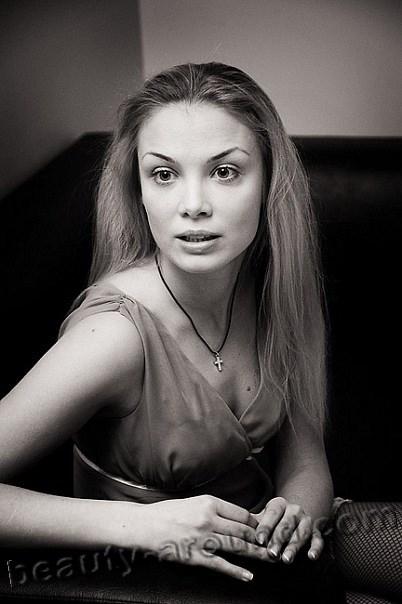 Татьяна Арнтгольц с распущенными волосами