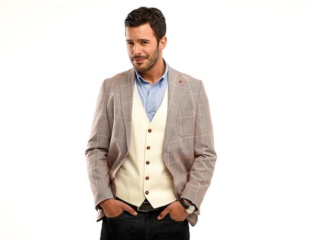Турецкий актёр Барыш Ардуч фото