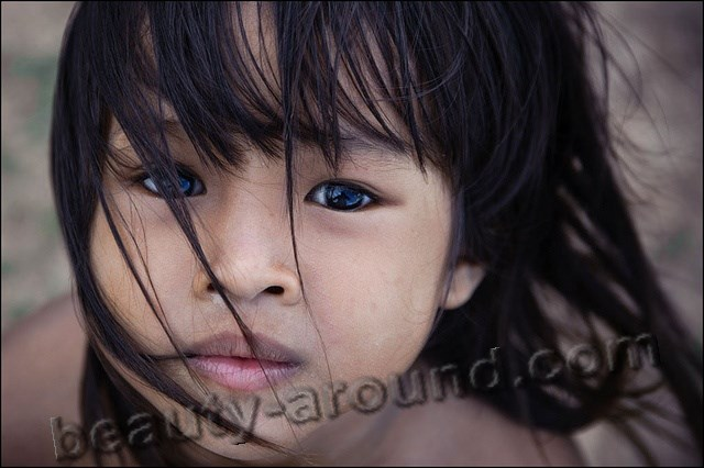 Beautiful Cambodian girl photo