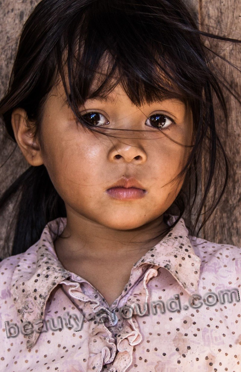 Cute Vietnamese girl picture