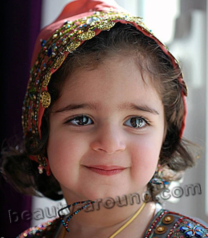 little Omani baby girl photo