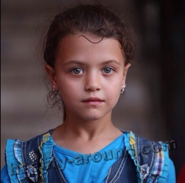 Turkmen girl photo