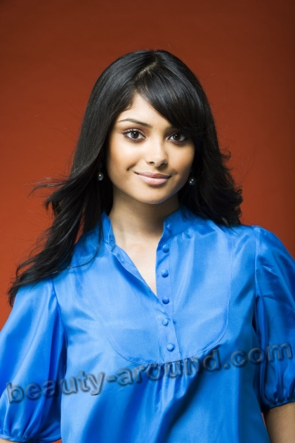 Afshan Azad English actress and model of bengali origin photos
