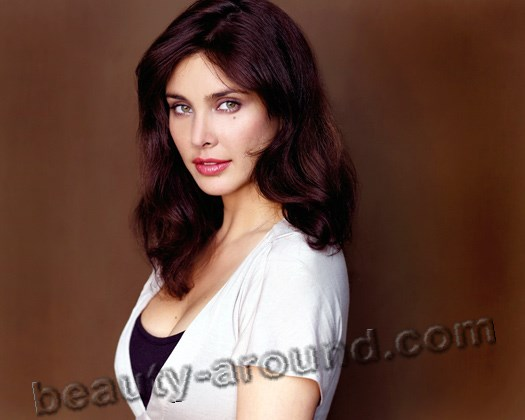 Lisa  Ray actress of Polish-Bengali origin photos