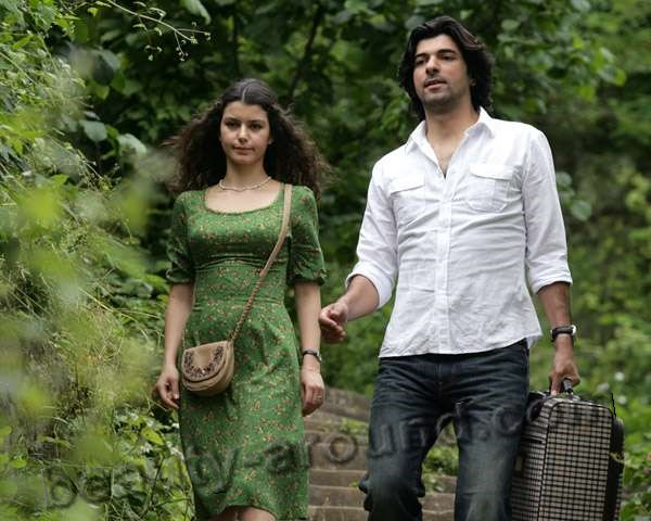series Fatmagul'un Sucu Ne? with Beren and Engin Akurek