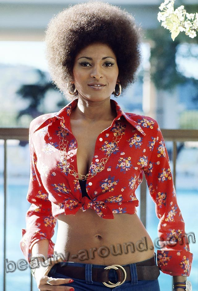 hottest black woman pam grier photo