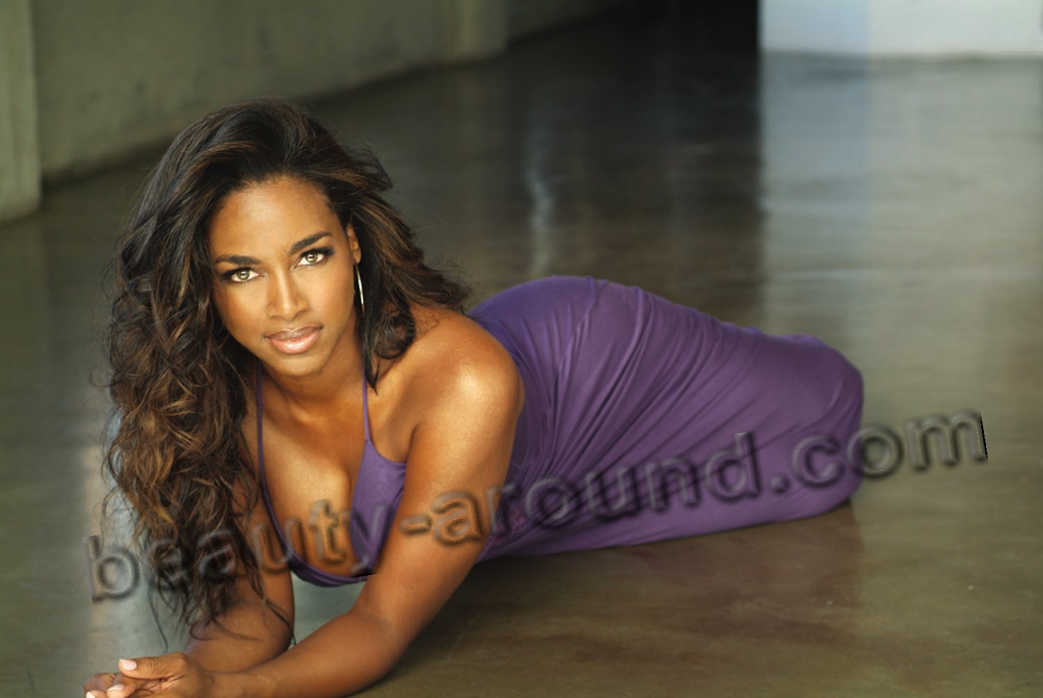 Kenya Moore photo