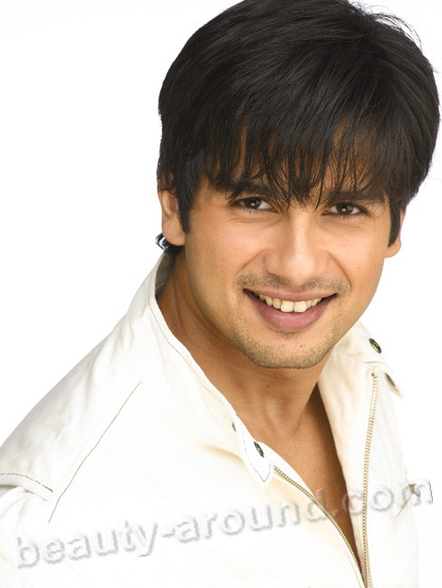 Shahid Kapoor handsome bollywood actor