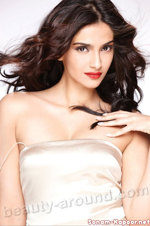 Sonam Kapoor  Indian actress and model photo
