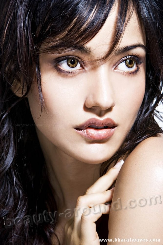 Neha Sharma sexy Indian film actress and model picture