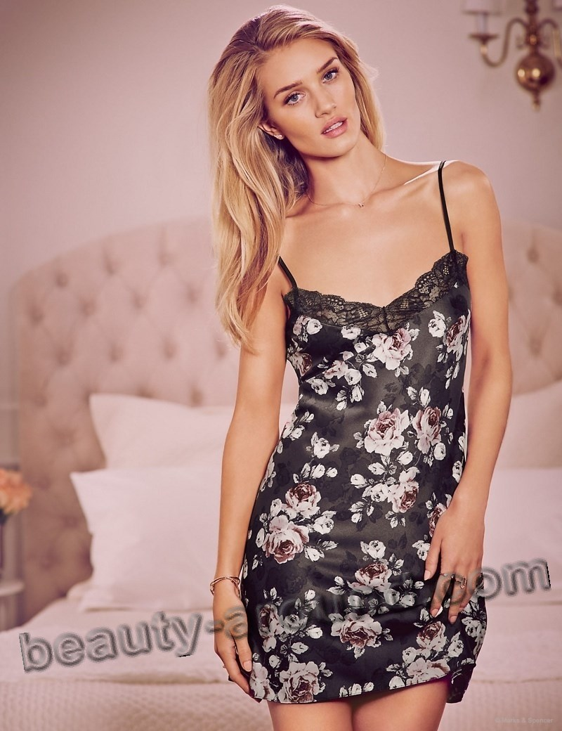 Rosie Huntington-Whiteley English model of Victoria's Secret photo