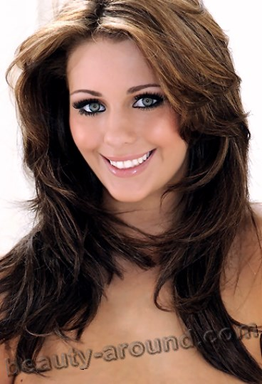 Beautiful British Women Holly Peers British model