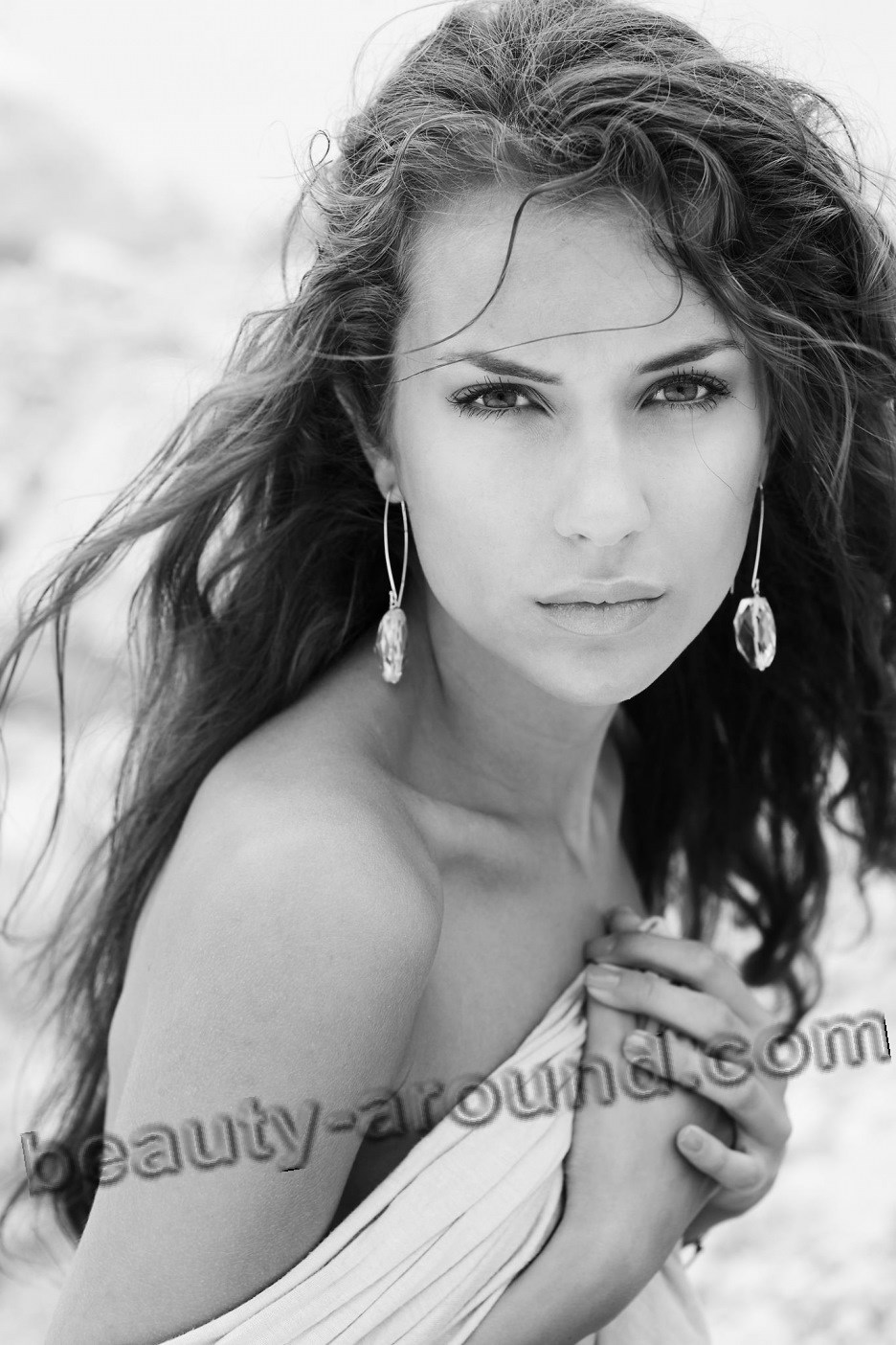 Nikol Stankulova красивая болгарская телеведущая фото