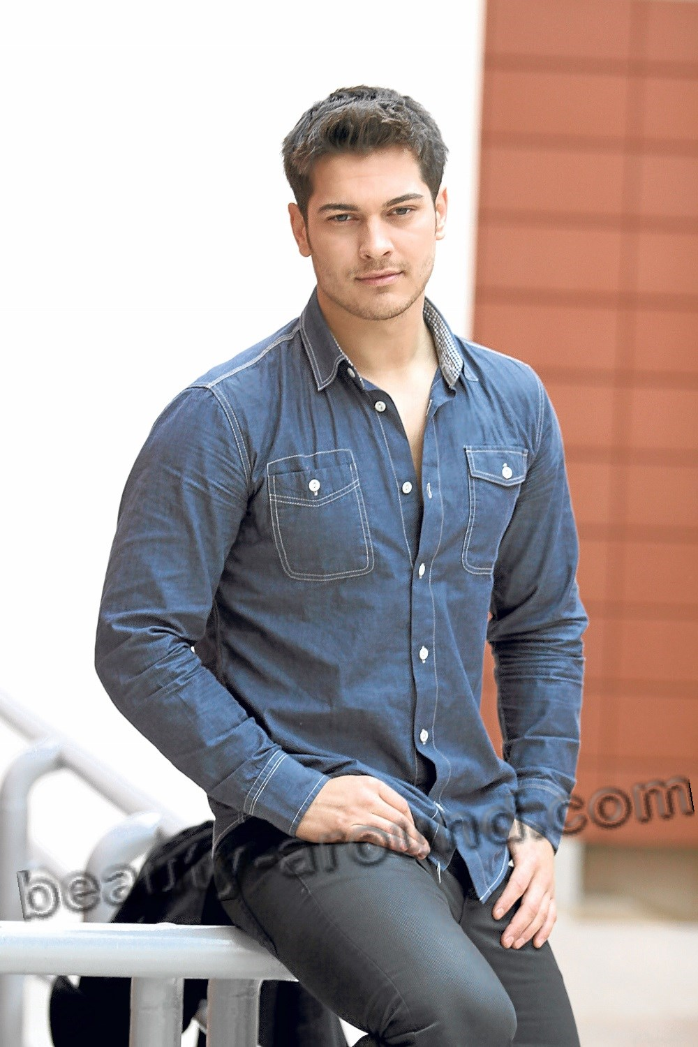 Cagatay Ulusoy handsome Turkish actor
