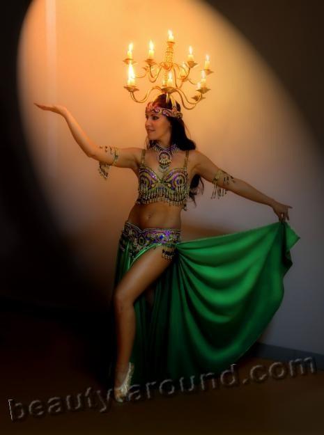 танец живота с огнём, танец с подсвечниками, атрибутика