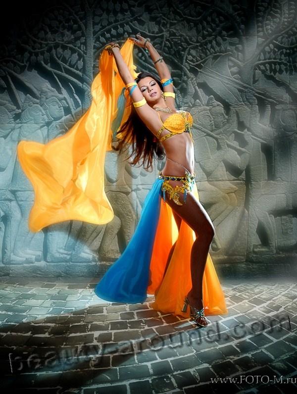Танец живота с шалью, танец живота с платком, красивый костюм для беллиденса