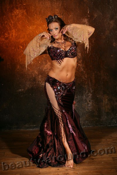 Наталья Беккер исполнительница танца живота, профессионал беллиденса