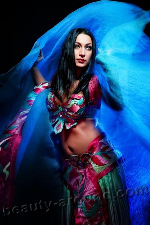 Елена Рамазанова исполнительница танца живота, профессионал беллиденса
