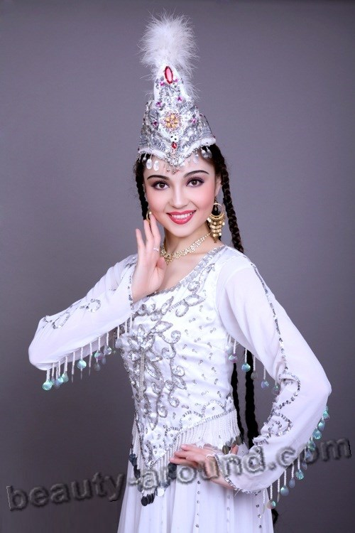 Mahire Emet beauty Uyghur dancer pictures
