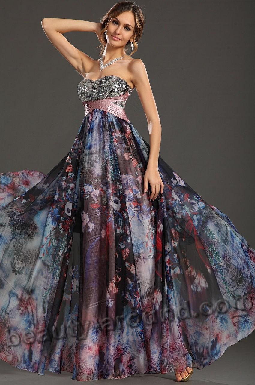 Выпускное платье с цветным принтом фото