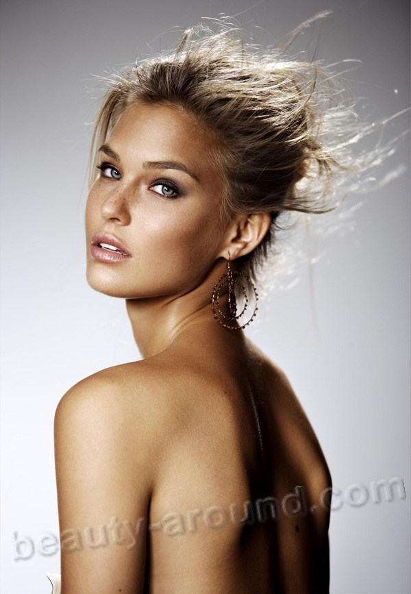 Beautiful Jewish women. Bar Refaeli israeli models photo