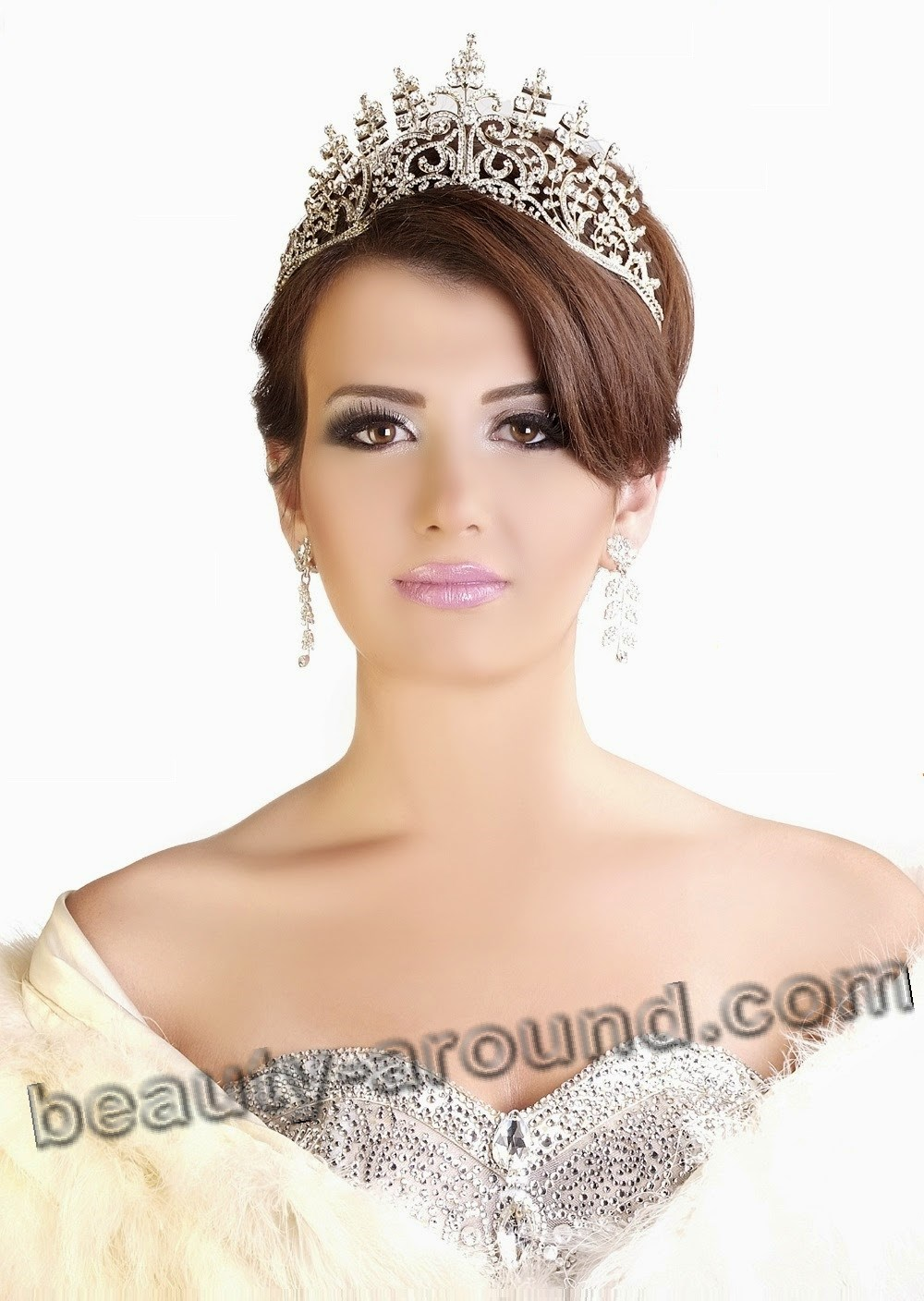 Beautiful Egyptian Women Yara Naoum Miss Egypt 2008 photo
