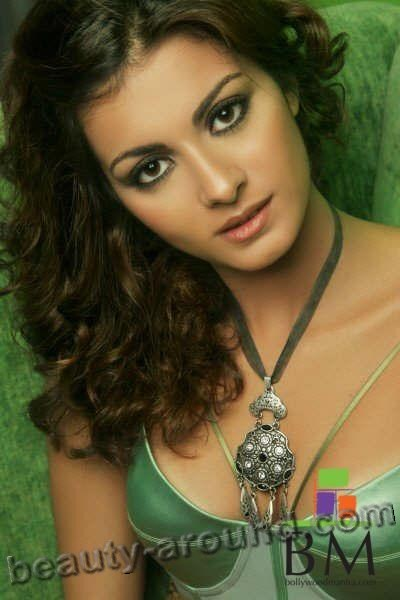 Beautiful Egyptian Women Meriam George  Egyptian beauty pageant titleholder photo