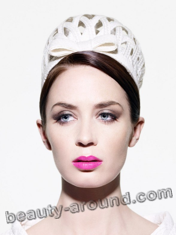 Emily Blunt make up photos