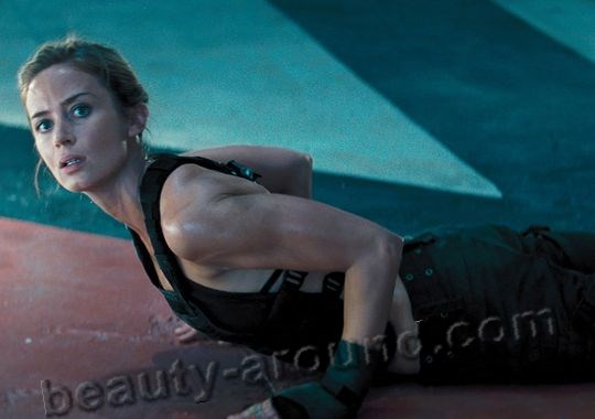 Edge of Tomorrow actress Emily Blunt photo
