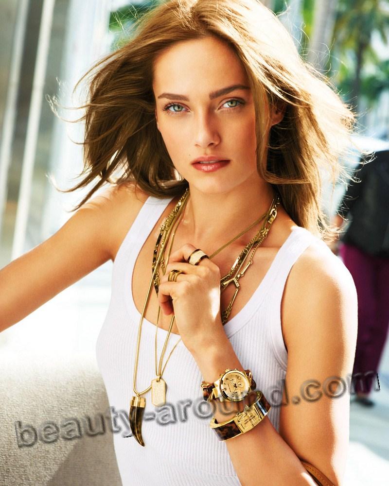 Кармен Педару красивая девушка модель из Эстонии фото