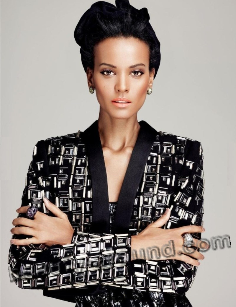Nice Ethiopian woman Liya Kebede photo