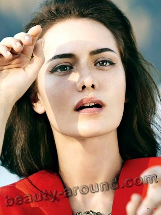 Makeup Fahriye Evcen photo