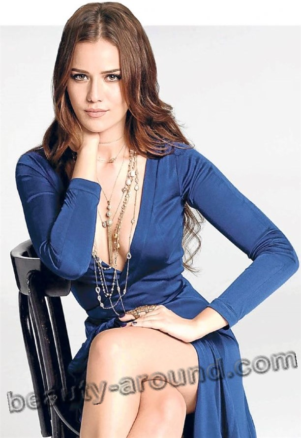 Beautiful turkish women Fahriye Evcen photo