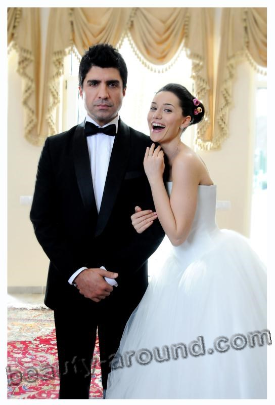 Fahriye Evcen and Ozcan Deniz photo together