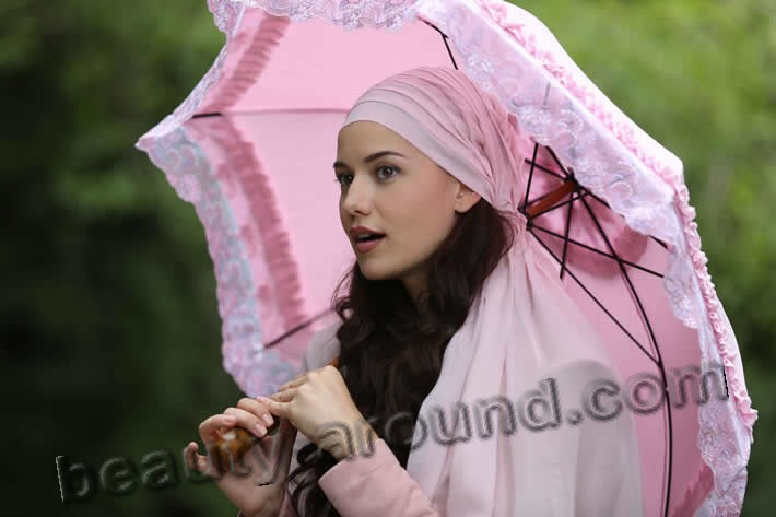 Fahriye Evcen The Wren photo