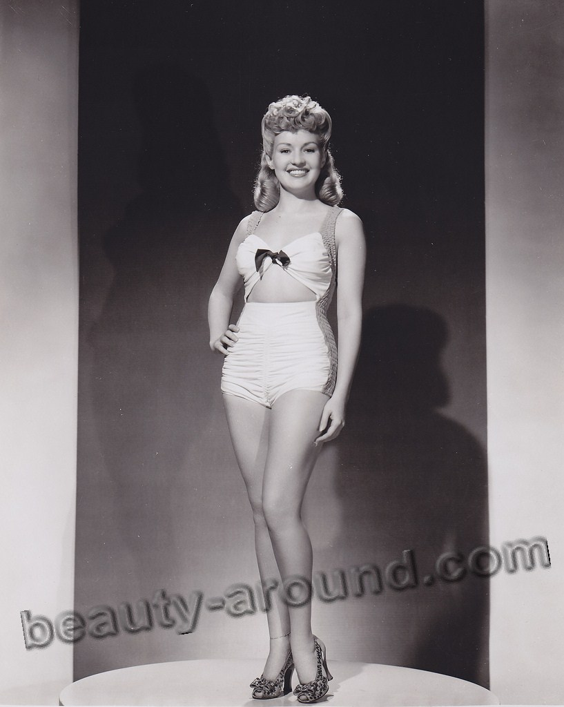 Betty Grable Beautiful Female Body Types 1940s