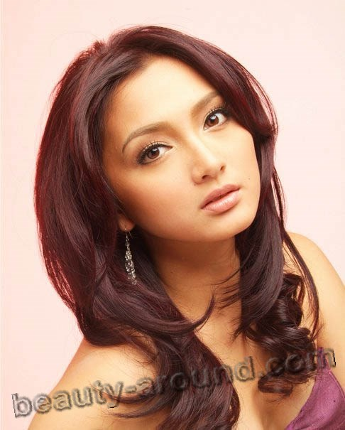 artis-philipina-naked