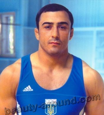 Rustam Aji world champion in Greco-Roman wrestling with Gypsy roots