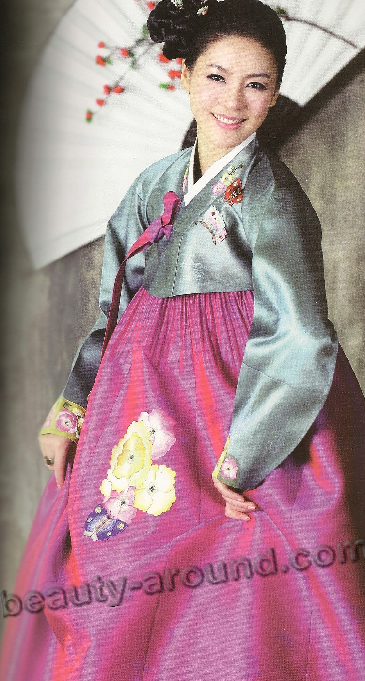 Nice Korean dress: Hanbok photo