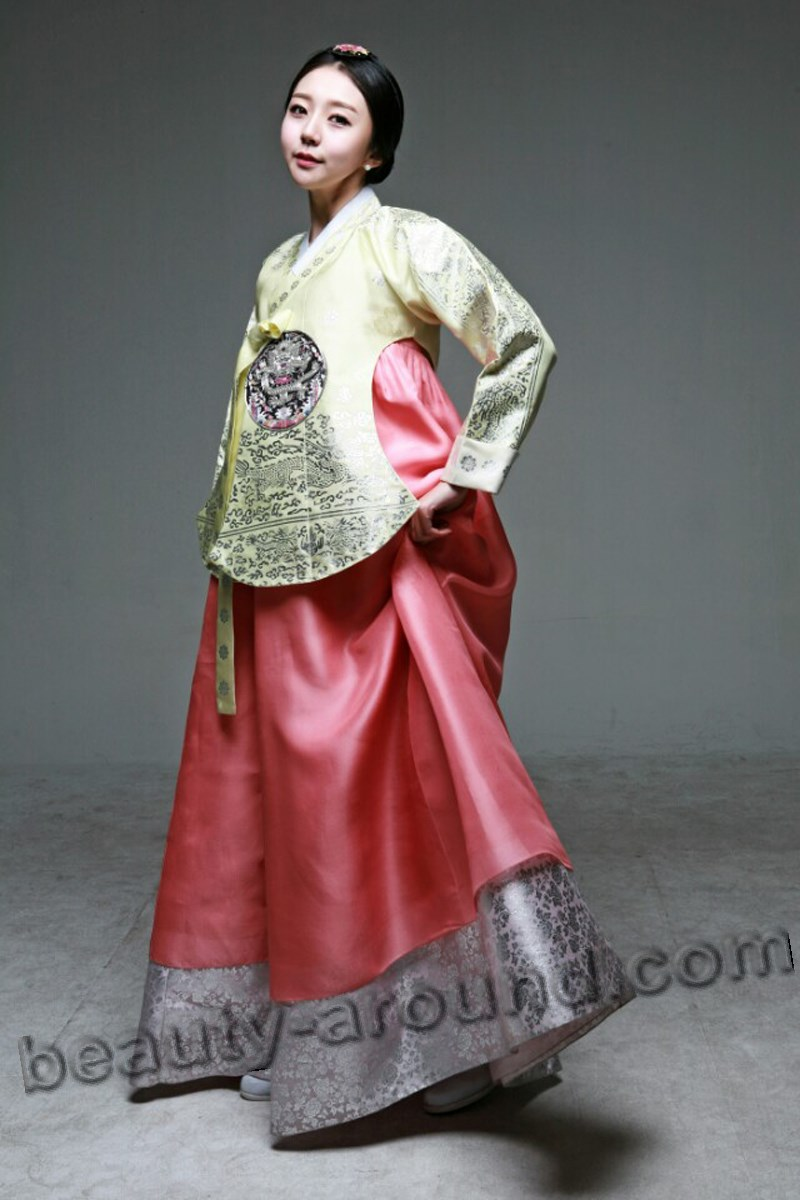 Korean costume Hanbok photo