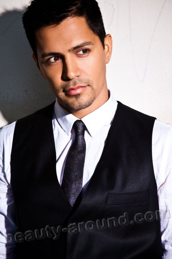 Jay Hernandez most beautiful American actor photos