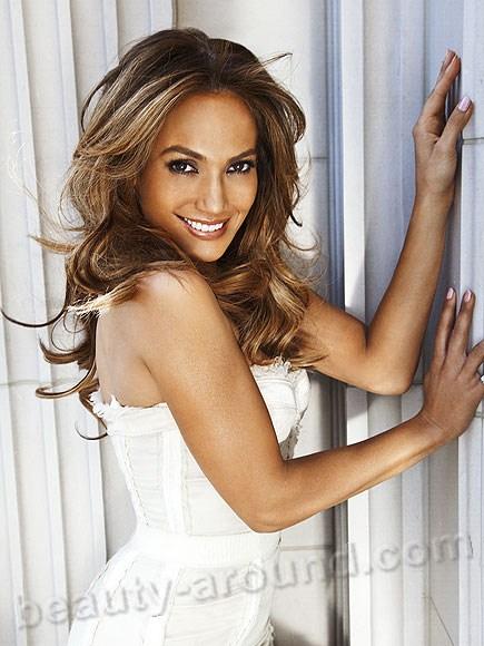 Дженнифер Линн Лопес / Jennifer Lynn Lopez, или Джей Ло / J.Lo  американская актриса, певица, танцовщица, модельер, продюсер