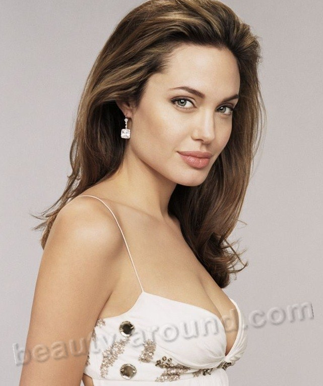 Angelina Jolie Voight most beautiful American actress photos